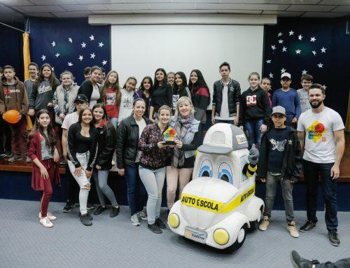 Estudantes de Nova Hartz festejam vitória na Gincana Valderez 50 Anos